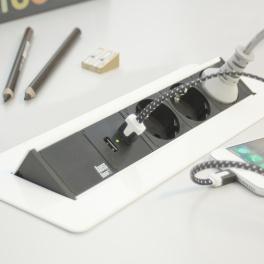 Axessline QuickBox - 3 El 2, 2 USB Laddare. Vit